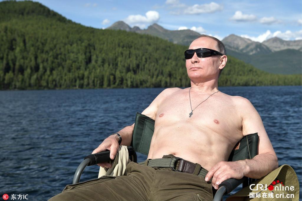 普京回应骑熊照说了什么 普京骑熊照是怎么回事?