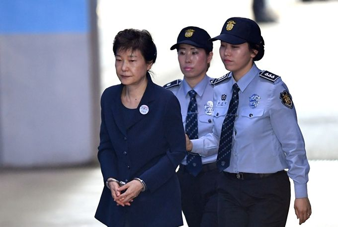 为什么朴槿惠再被判8年 朴槿惠犯了什么罪?