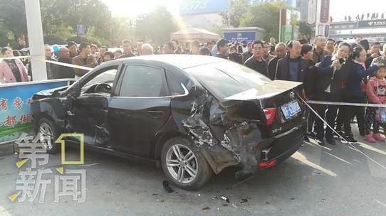 汉中公交交通事故原因及经过 现场图片令人不寒而栗
