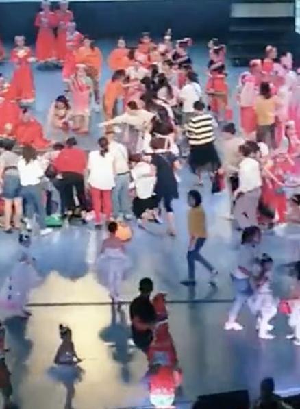 福建漳州舞台坍塌原因是什么 事发现场令人不寒而栗!
