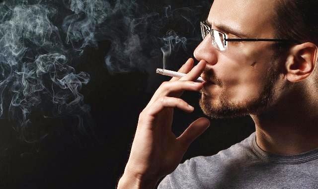 过度吸烟或致失明怎么回事 原来真相竟是这样!