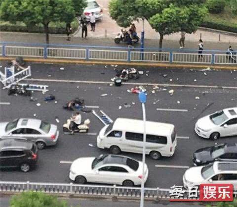常州奔驰连撞多车怎么回事 事发经过及现场图片曝光