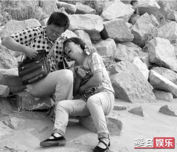 男童被砸晕后溺亡是怎么回事 害死男童的凶手到底是谁?