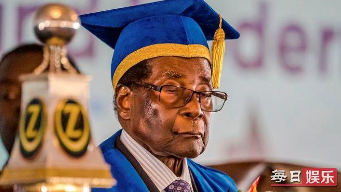 津巴布韦总统去世 他是谁 穆加贝传奇一生回顾!