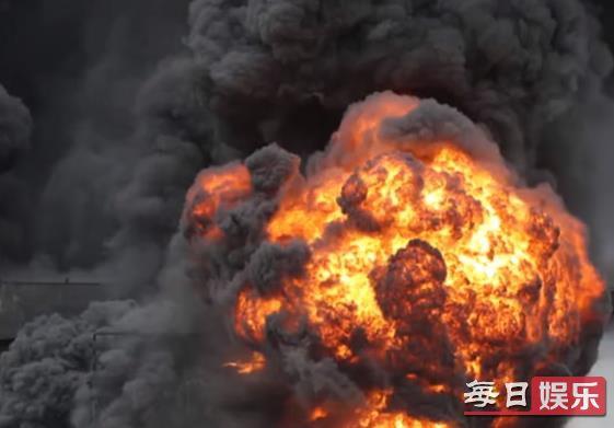 韩蔚山港油轮爆炸事发经过及现场图片曝光