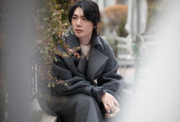简弘亦晒结婚证公布喜讯