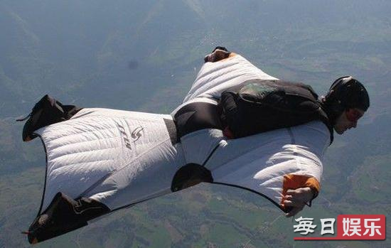降落伞只在距离地面非常低时才打开